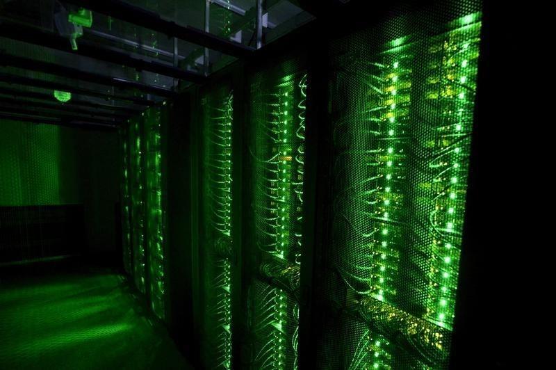 イーサリアムはビットコインより分散的|BTCノードは56%がデータセンター設置