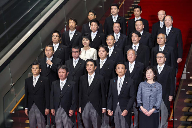 安倍改造内閣のメンバー