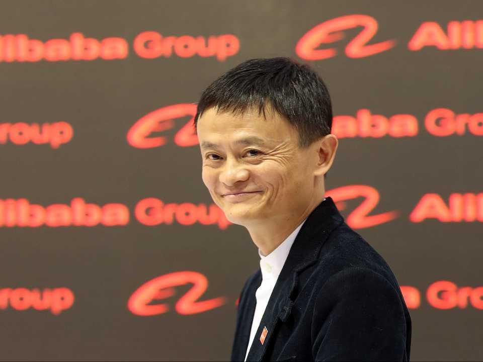 こちらに微笑みかけるアリババ創業者ジャック・マー(Jack Ma)氏