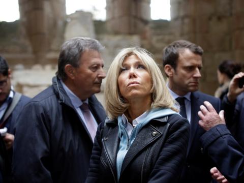 政府の公職に就く可能性も? フランスの「ファーストレディ」は24歳年上