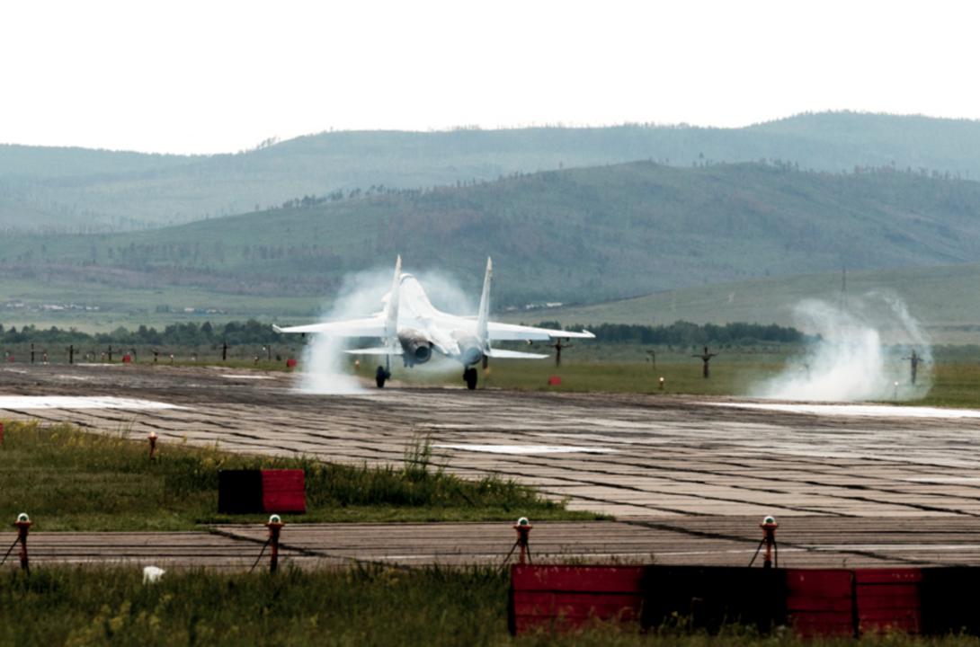 離陸するSu-30SM