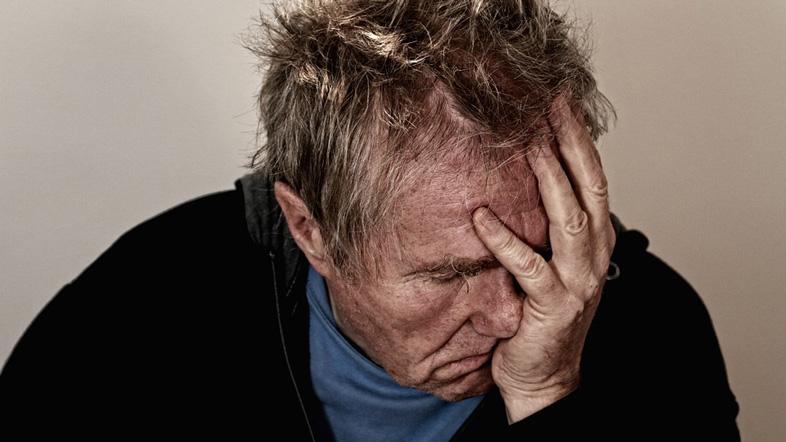 社会的地位がうつ病の原因に