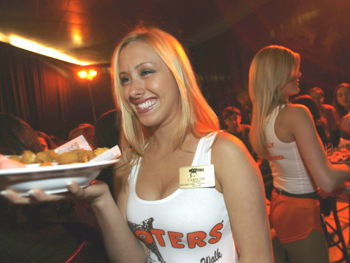 Hooters_フーターズ