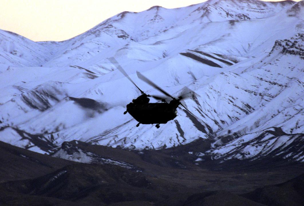 輸送用ヘリコプター「CH-47(チヌーク)」