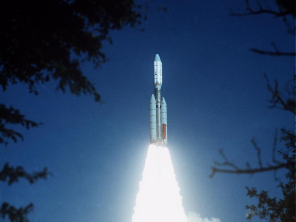 打ち上げられるボイジャー2号