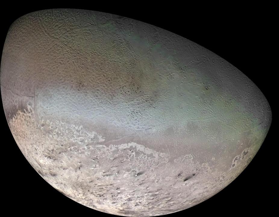 ボイジャー1号が撮影した、海王星の衛星トリトンのモザイク写真
