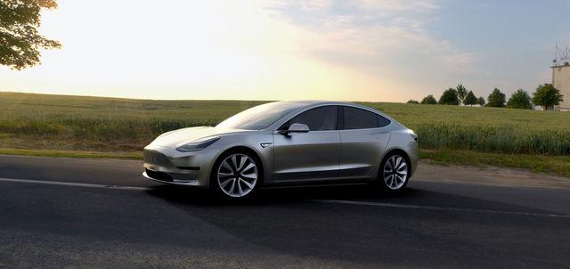世界を変えるか? テスラ「Model 3」の9つの特徴