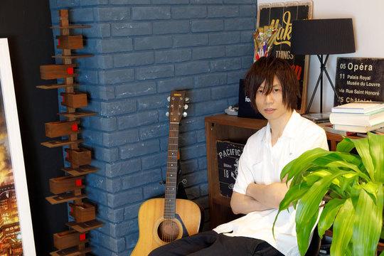 SHOWROOM前田裕二、ビジネスモデルは「スナック」仮想ライブ空間は孤独な路上弾き語りから生まれた