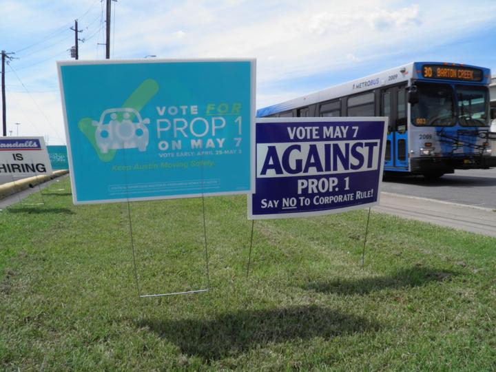「Proposition 1(提案1号)」賛成・反対看板