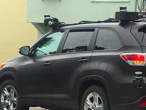 目立たないよう塗装された自動運転のトヨタ車、サンフランシスコで目撃される