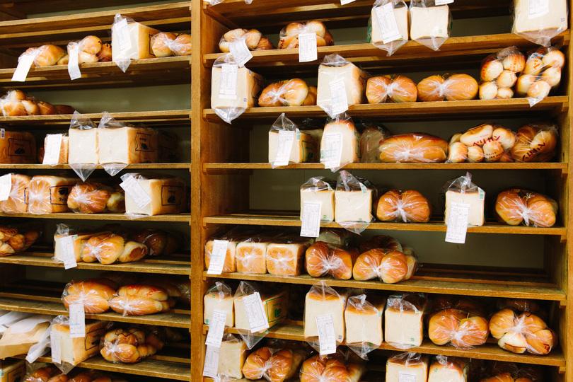 ペリカンのパンの棚