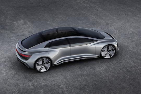 最新EVがフランクフルトに集結 —— テスラのライバルは現れるのか