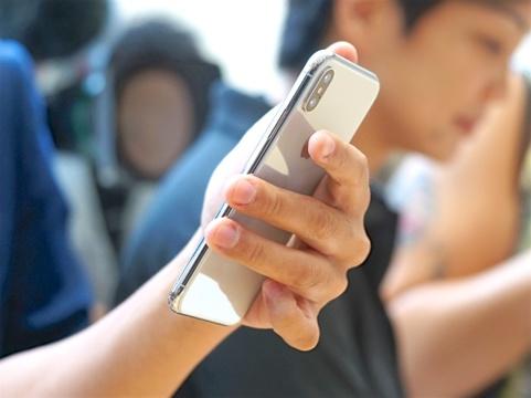 auがiPhone X・8の新料金で「攻める」理由:KDDI田中社長直撃インタビュー