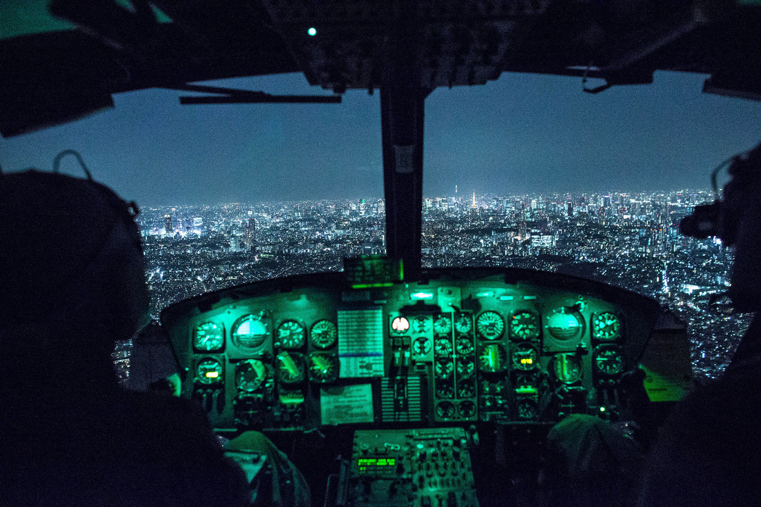 UH-1N ヒューイのコクピット