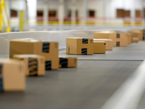アマゾン「一緒に購入されている商品」に爆発物を作れる商品の組み合わせをおすすめ