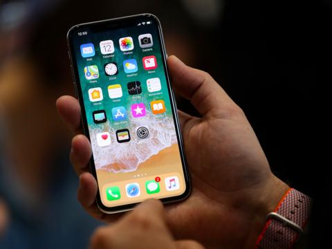 アップル、iPhone Xではユーザーの55%が使っていた機能を廃止