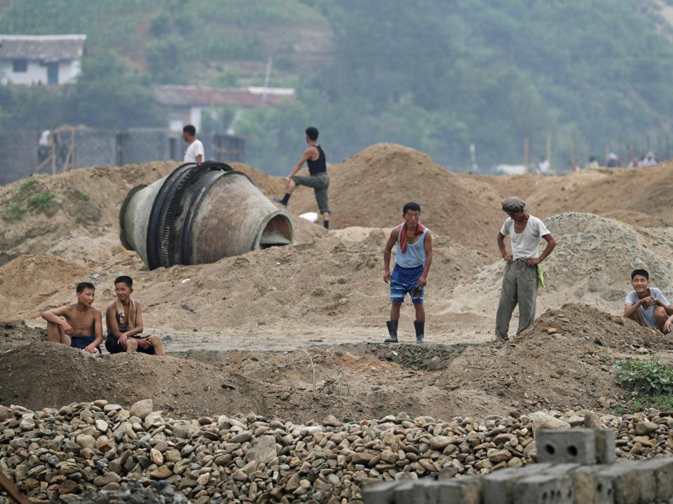 北朝鮮の建築現場