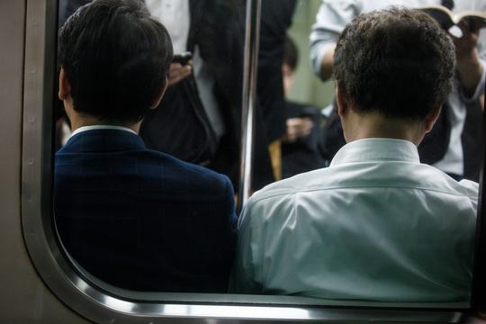 在宅ワークは働きすぎになる? 日本企業で利用が広がらない理由