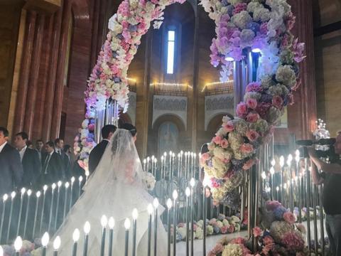 ロシアの不動産王の息子とインスタセレブが挙げた結婚式は、やっぱりすごかった!