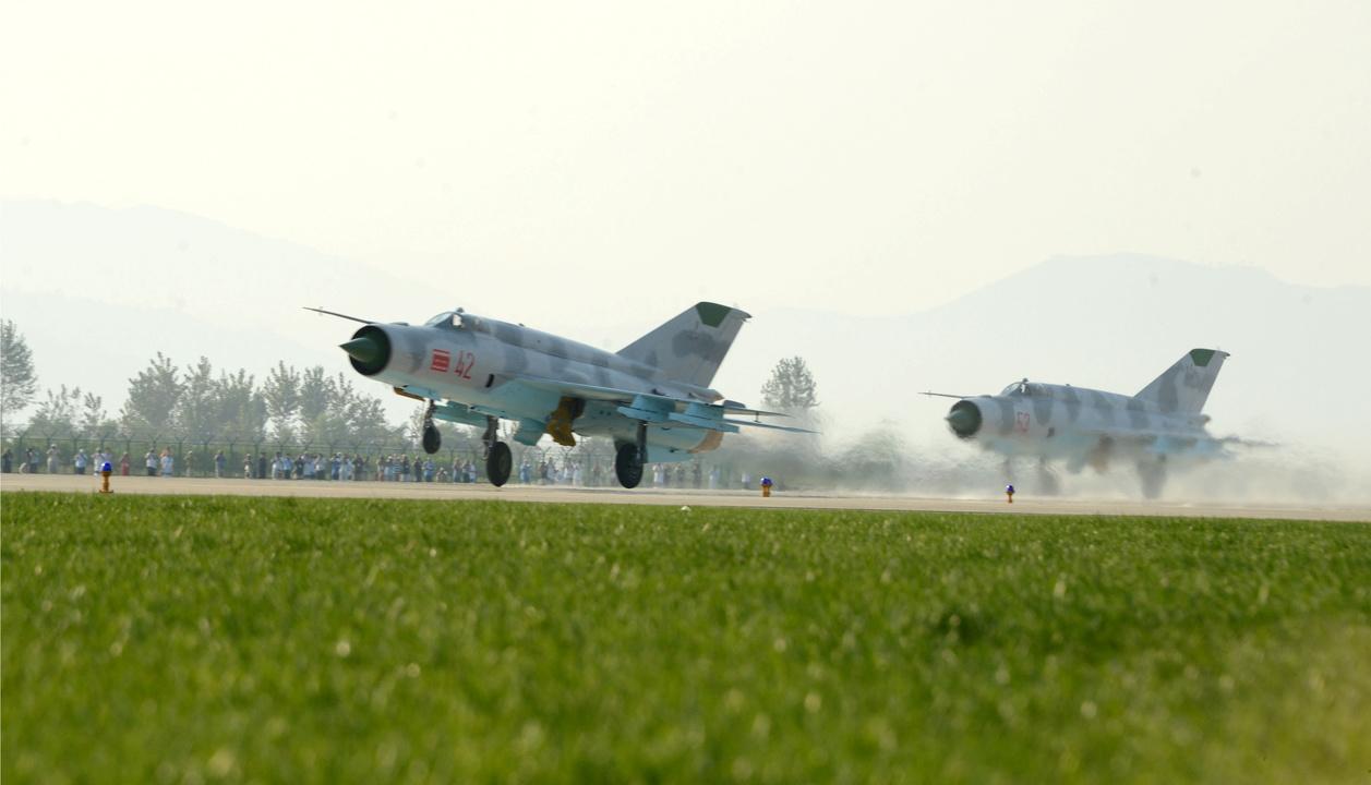北朝鮮軍の戦闘機