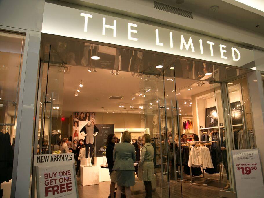 ザ・リミテッド店頭に「1点購入で1点無料」の表示