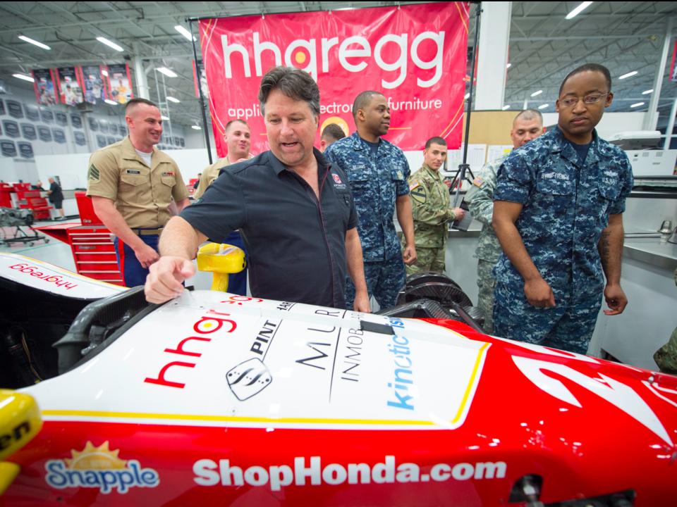 エイチエイチグレッグがスポンサーを務めるレースカー