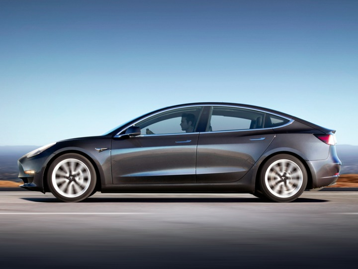 tesla-completely-missed-its-goal-for-model-3-production-in-september