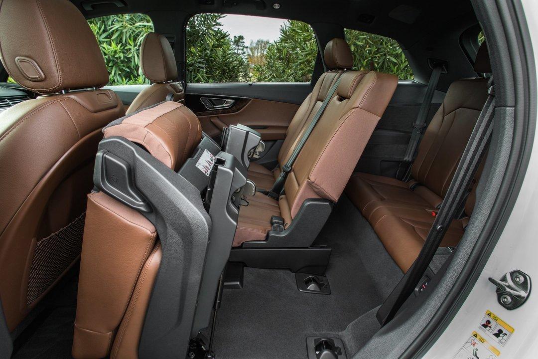 アウディ2017 Q7 SUV