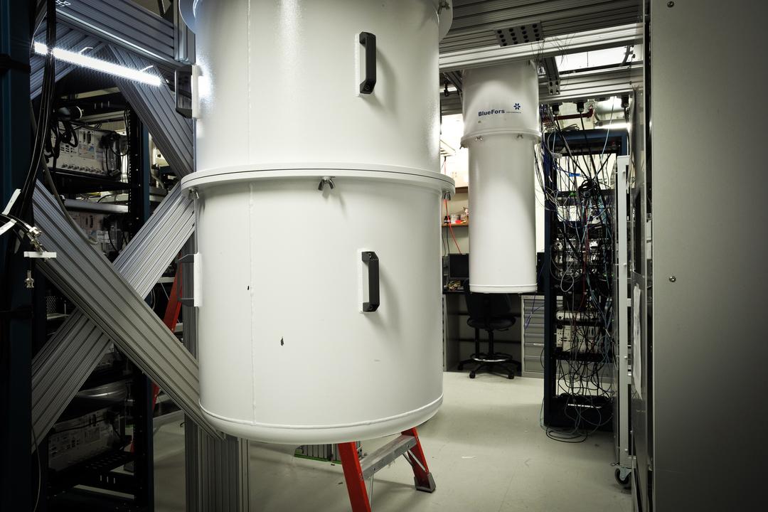 IBMの量子コンピューターの冷却装置