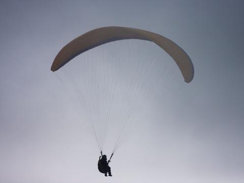 北朝鮮の特殊部隊、パラグライダーでの韓国奇襲を訓練
