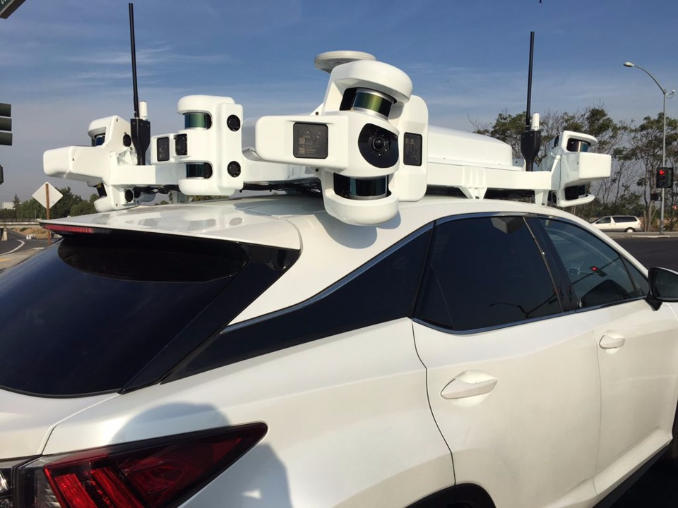 apple-has-new-self-driving-car-hardware-covered-with-ipod-style-white-plastic