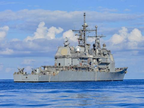 新たな任務につくミサイル巡洋艦、その装備