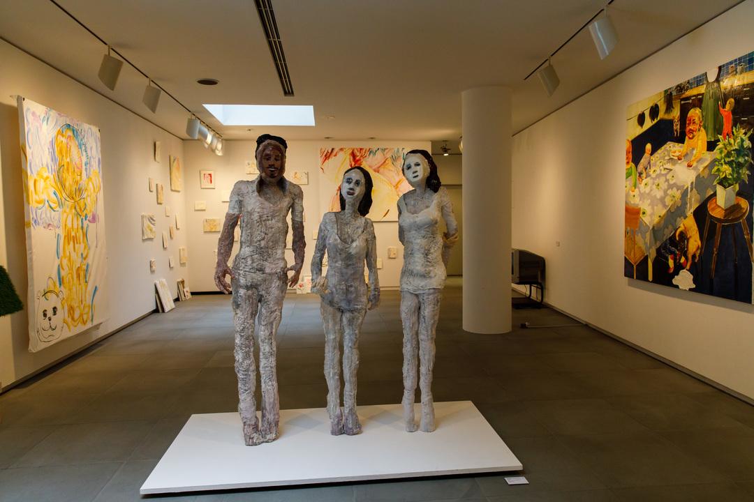 公募作品の彫像