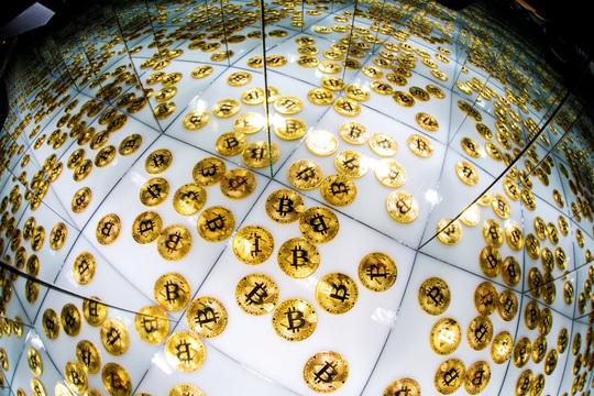 ICOは詐欺かバブルか? 金融庁、専門家が警告