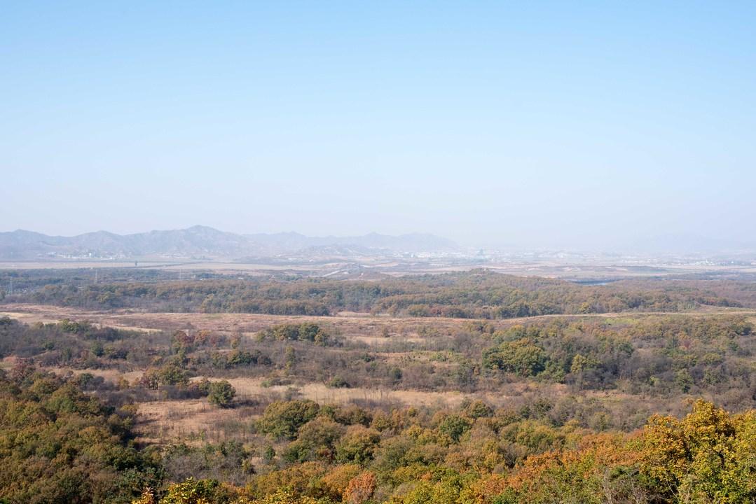 展望台から北朝鮮を望む