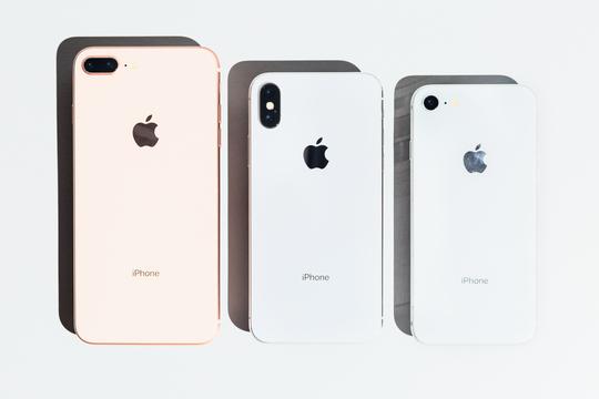 iPhone 8かiPhone Xか —— 結果は明らかだが、もう一度比べてみた。