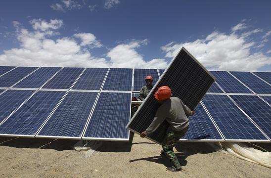 2040年までに、電力の40%が再生可能エネルギーに? 13のリーディングカンパニー