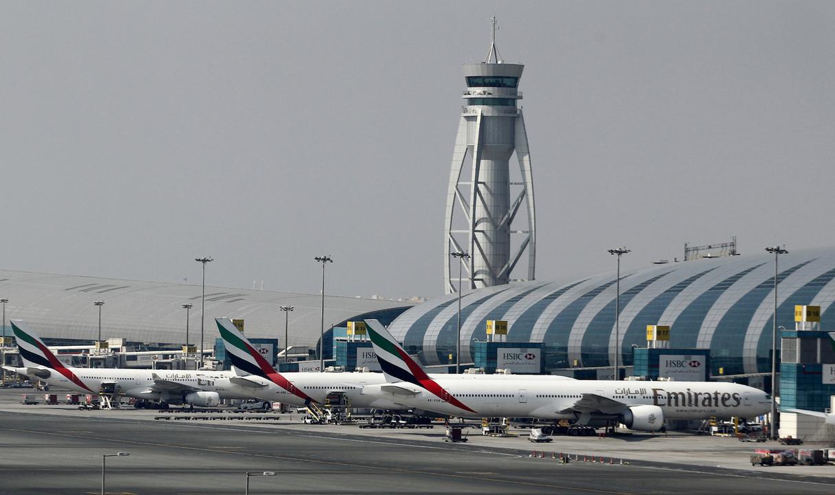 ドバイ国際空港に並ぶエミレーツの機体