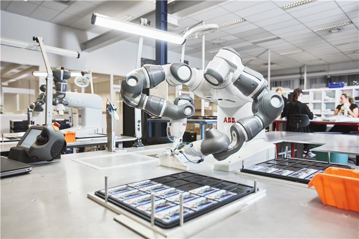 ABB社の協働ロボット