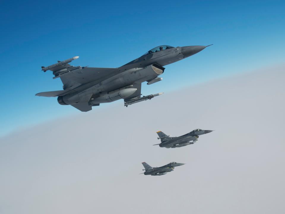 F16も複数機が参加