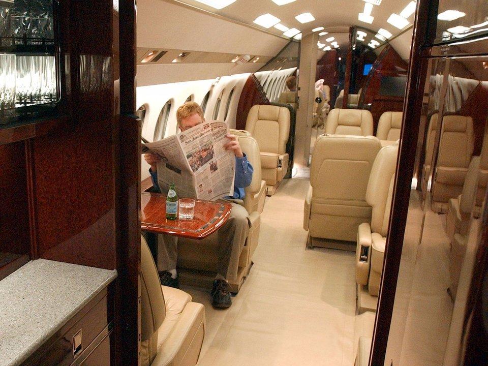 プライベートジェットの機内