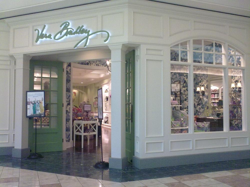 ベラ・ブラッドリー店舗