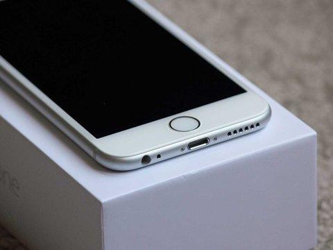 アップル、旧型iPhoneのパフォーマンス低下には理由があると主張