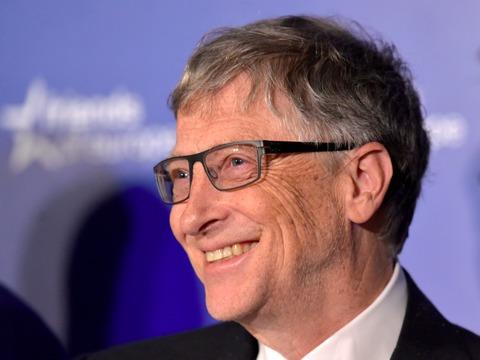 「信じて。世界は良い方向へ向かっている」 —— ビル・ゲイツ氏が主張