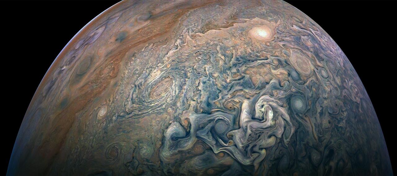 木星の渦巻く雲