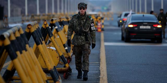 パトロールする韓国兵