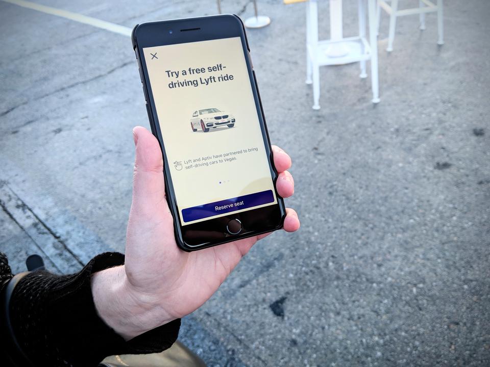 Lyftのアプリで自動運転タクシーを呼んだ