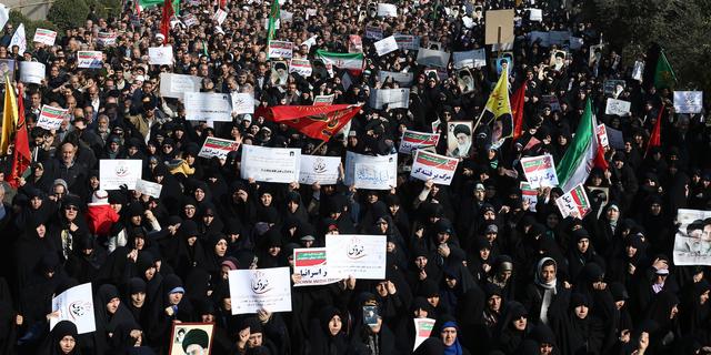 1カ月で約5000人が拘束、イランで激しい抗議活動が続く