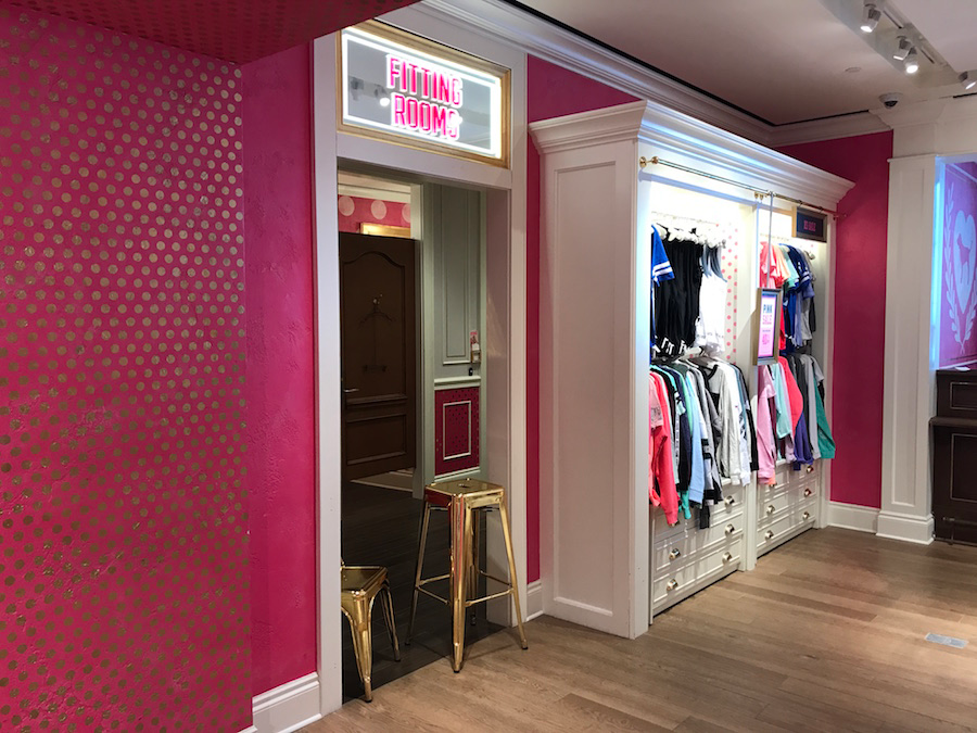 PINK専用の試着室