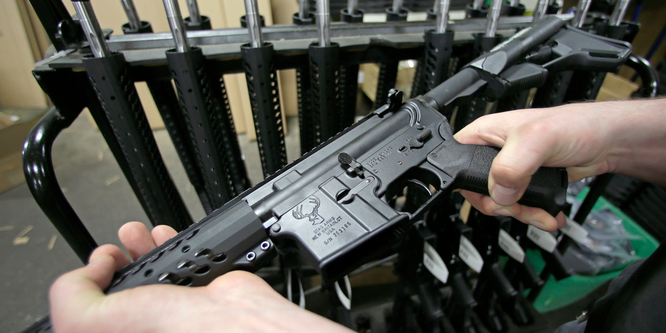 なぜアメリカの銃乱射事件では ar 15が使用されるのか 専門家が指摘